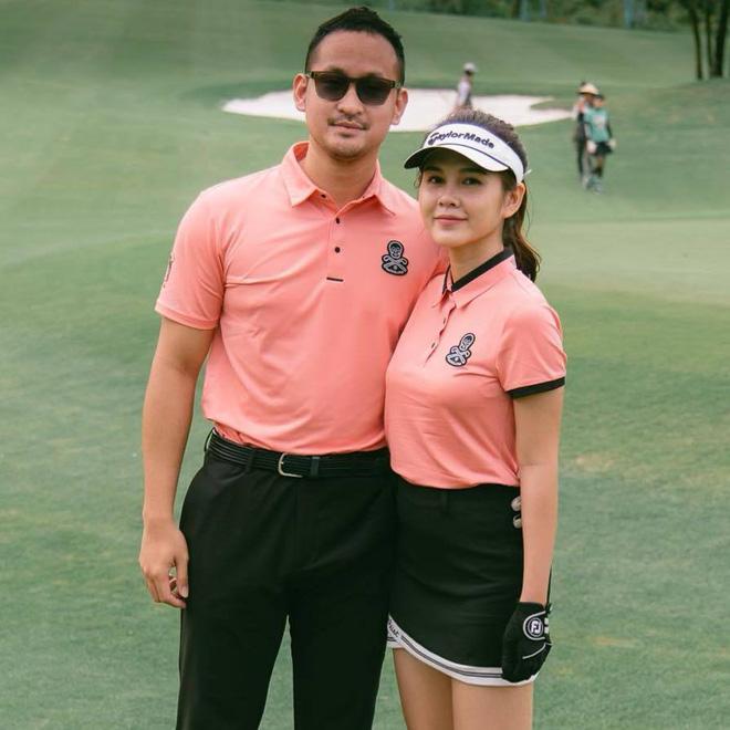 Chân dung nữ MC thể thao lỡ đi nhầm sân golf nên lấy được chồng - Ảnh 1.