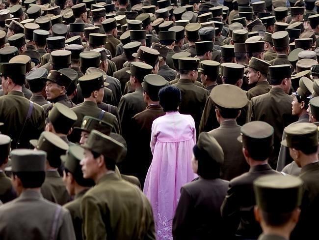 Những bức ảnh độc về cuộc sống ở Triều Tiên: Bức ảnh cuối gây tranh cãi - Ảnh 1.