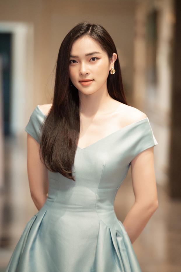 Dàn thí sinh đổ bộ sơ khảo miền Bắc Hoa hậu Việt Nam 2020: Bản sao Châu Bùi nổi bần bật, thí sinh diện váy bánh bèo gây chú ý - Ảnh 1.