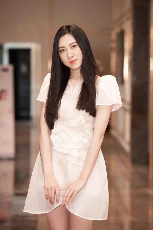 Dàn thí sinh đổ bộ sơ khảo miền Bắc Hoa hậu Việt Nam 2020: Bản sao Châu Bùi nổi bần bật, thí sinh diện váy bánh bèo gây chú ý - Ảnh 4.