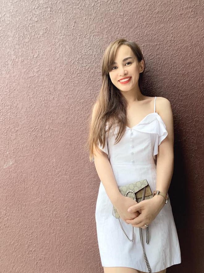 Chị dâu xinh đẹp, giàu có nhưng sống kín tiếng của Hồ Ngọc Hà - Ảnh 3.