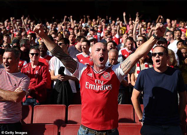 Sân Emirates mở cửa, CĐV Arsenal được phép trở lại từ tháng 10 - Ảnh 1.