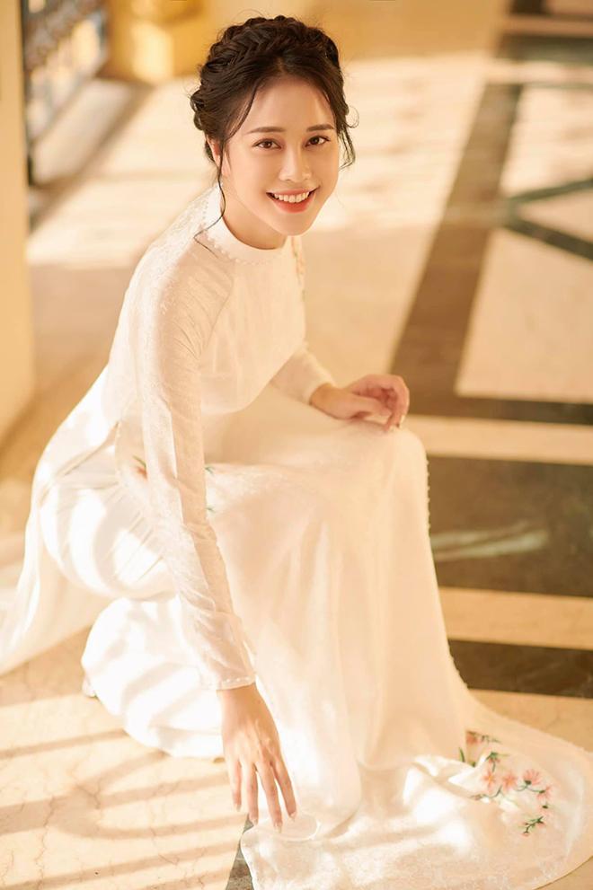 Nhan sắc MC VTV vừa bị loại khỏi Hoa hậu Việt Nam 2020 - Ảnh 1.