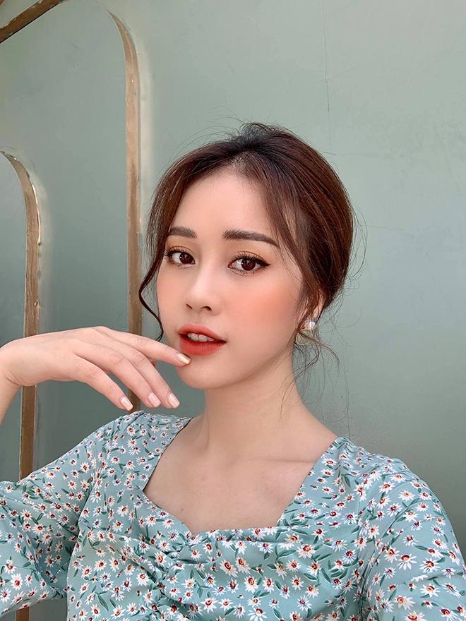 Nhan sắc MC VTV vừa bị loại khỏi Hoa hậu Việt Nam 2020 - Ảnh 10.