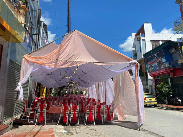 Vụ nhà hàng bị bom 150 mâm cỗ cưới trị giá hơn 200 triệu đồng: Hôm qua cô dâu vẫn đến ăn cơm, hỏi về tình hình cỗ bàn - Ảnh 1.