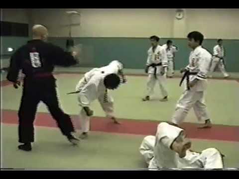 Đại sư khí công có võ ảo hơn võ sư Huỳnh Tuấn Kiệt, chỉ cần… nhìn là đối thủ gục ngã - Ảnh 4.