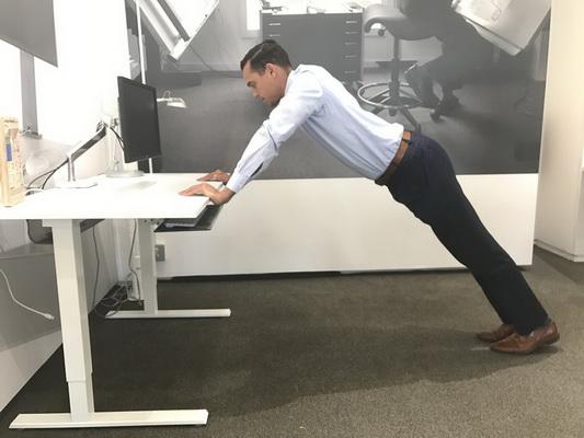 Bài tập thể dục tốt cho dân văn phòng - Ảnh 1.