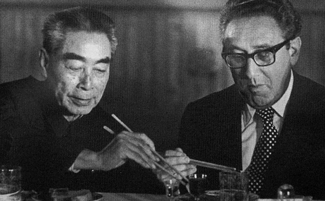 Cuộc gặp của Chu Ân Lai (trái) và Henry Kissinger năm 1971. (Ảnh: Thư viện Quốc hội Mỹ)