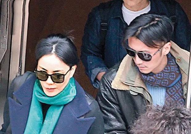 Tạ Đình Phong: Quý tử phản nghịch nhà Hoa hậu thành báu vật Cbiz, 2 thập kỷ rắc rối tình tay 3 với Trương Bá Chi - Vương Phi - Ảnh 17.
