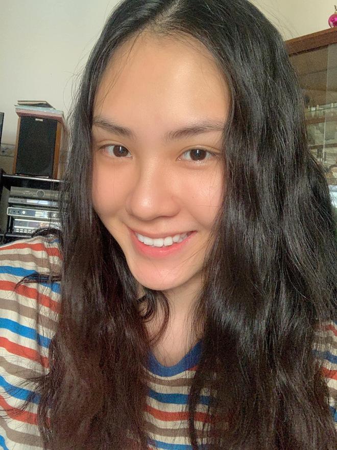 Nữ thần mặt mộc của Hoa hậu Việt Nam: Giấu bố mẹ nộp đơn ứng tuyển, nổi rần rần trên mạng người thân mới biết - Ảnh 2.