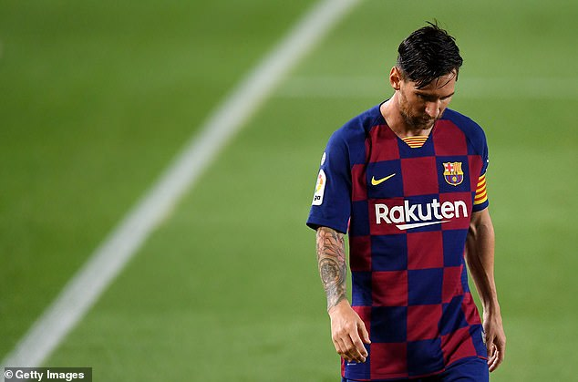 Messi bị người hâm mộ tố lợi dụng Man City để lật đổ chủ tịch Barcelona - Ảnh 2.
