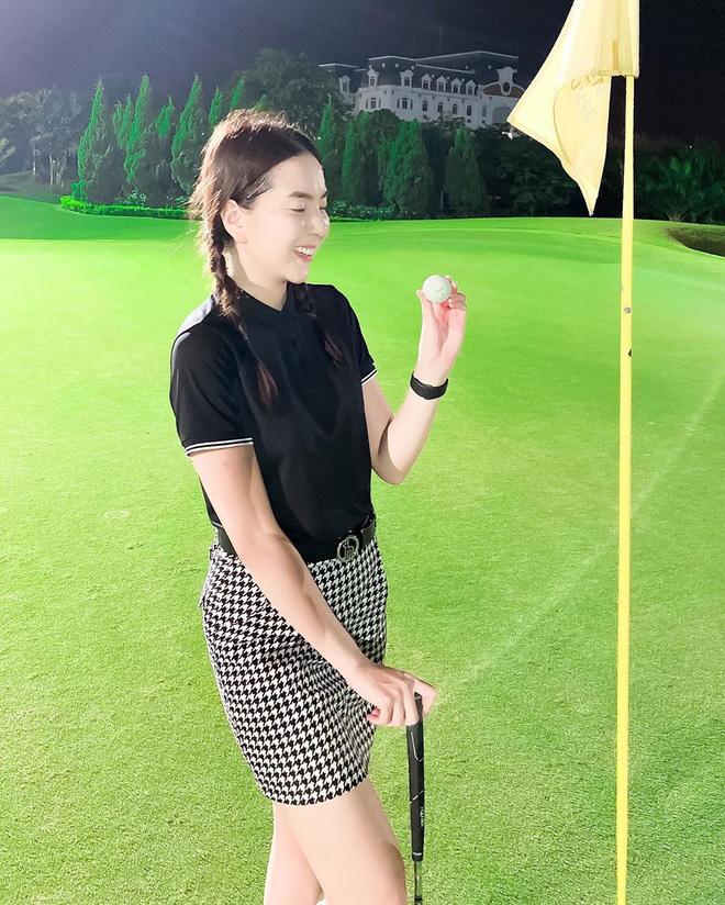 Bắt bài chụp ảnh của dàn gái xinh sân golf, chỉ một bức hình mà khoe đủ combo đẹp - khoẻ - sang - Ảnh 14.