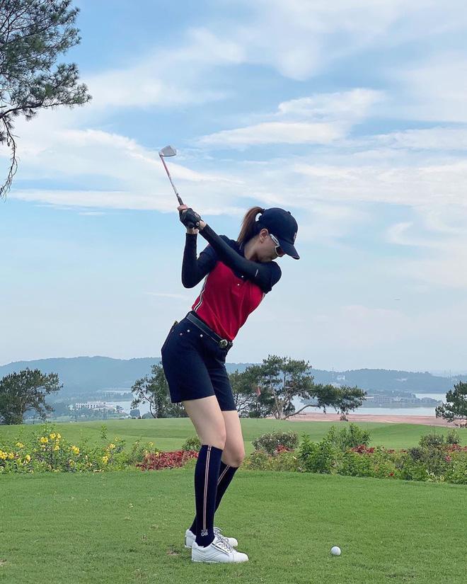 Bắt bài chụp ảnh của dàn gái xinh sân golf, chỉ một bức hình mà khoe đủ combo đẹp - khoẻ - sang - Ảnh 3.