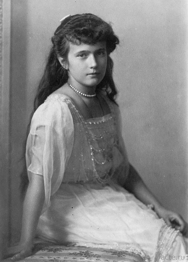 Bí ẩn câu chuyện người phụ nữ tự tử được cứu sống rồi nhận mình là Công chúa nước Nga, cuối đời trên bia mộ khắc 2 tên chưa có lời giải - Ảnh 1.