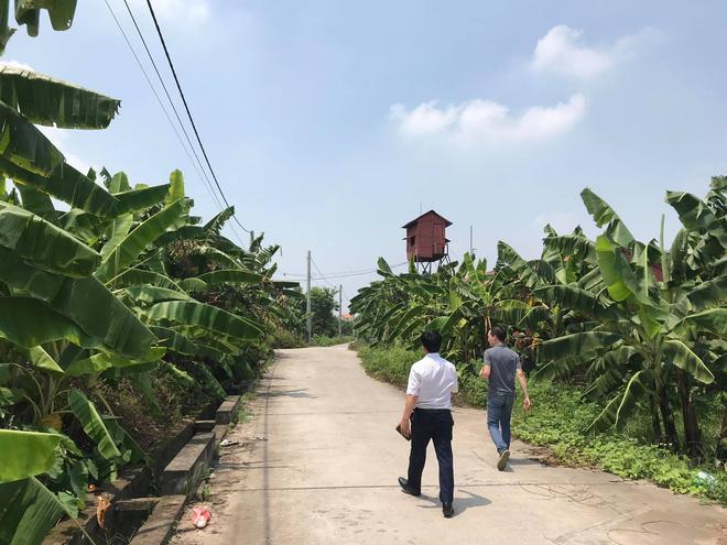 Bắt tạm giam 4 tháng gã yêu râu xanh hiếp dâm bé gái 12 tuổi trong vườn chuối ở Gia Lâm - Ảnh 3.