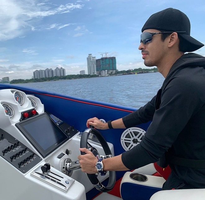 Cực phẩm Hoàng tử của Malaysia: Chàng quân nhân điển trai như tài tử điện ảnh, Instagram chỉ chia sẻ hình chụp cùng một người phụ nữ duy nhất - Ảnh 5.