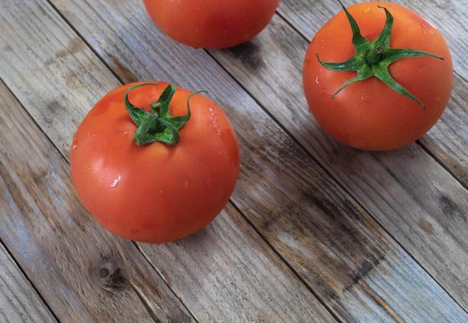 Cà chua là trái cây hay rau? Câu hỏi tưởng đơn giản nhưng hành trình tìm đáp án lại phức tạp đến không ngờ - Ảnh 1.