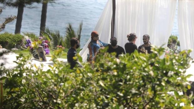 Lễ tưởng niệm Chadwick Boseman: Dàn sao Black Panther và Chủ tịch Marvel Studios đến dự, cùng gia đình đưa tiễn huyền thoại - Ảnh 3.