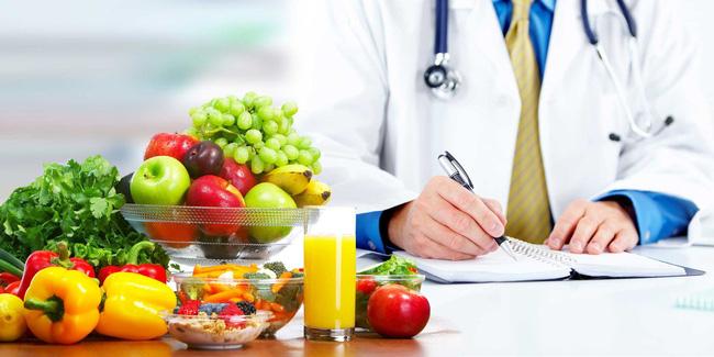 Người bệnh ung thư nên ăn thế nào? - Ảnh 1.
