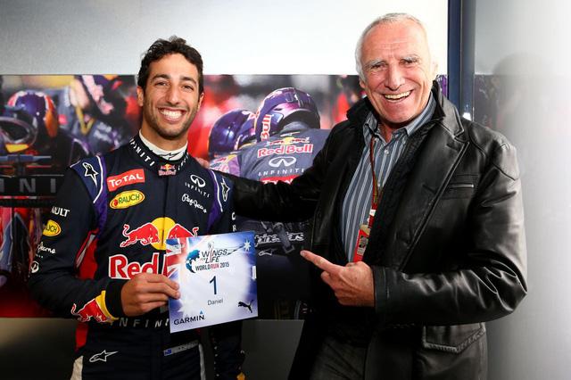 Trước khi bị người Thái tẩy chay, Red Bull trở thành thương hiệu nổi tiếng và tạo ra các tỷ phú như thế nào? - Ảnh 2.