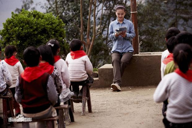 Mất con trong cơn địa chấn, cô giáo dạy múa cụt chân vẫn mạnh mẽ viết nên mối tình cổ tích giữa đời thường - Ảnh 12.
