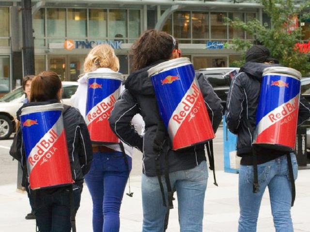 Trước khi bị người Thái tẩy chay, Red Bull trở thành thương hiệu nổi tiếng và tạo ra các tỷ phú như thế nào? - Ảnh 4.
