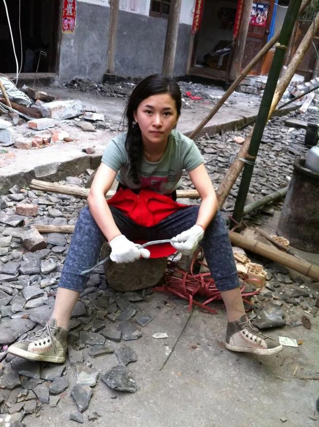 Mất con trong cơn địa chấn, cô giáo dạy múa cụt chân vẫn mạnh mẽ viết nên mối tình cổ tích giữa đời thường - Ảnh 8.