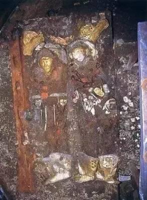 Khai quật lăng mộ 1.000 năm tuổi: Điều bất thường nào khiến cả đội khảo cổ phải sơ tán? - Ảnh 2.