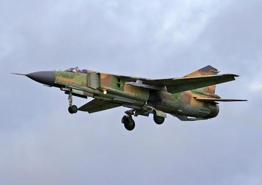 Chiến sự Syria: MiG-23 gặp nạn ở Deir ez-Zor - Đồng minh của Mỹ bị tấn công bởi đội quân bí ẩn - Ảnh 1.