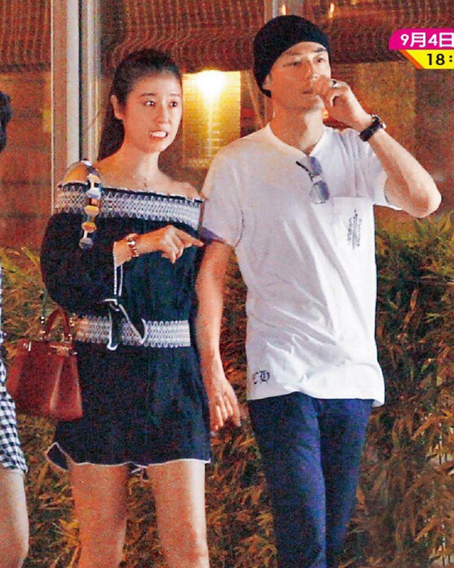 Xưa hẹn hò giản dị, nay vợ chồng Lâm Tâm Như gây choáng khi đổi gió đi siêu xe 35 tỷ tới nhà hàng đắt đỏ dùng bữa - Ảnh 1.