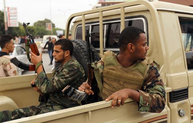 Quân đội Syria ra đòn hiểm bất ngờ hạ gục 2 UAV Mỹ? - SAA khẩn cấp điều binh cứu trận địa tên lửa S-300 - Ảnh 1.