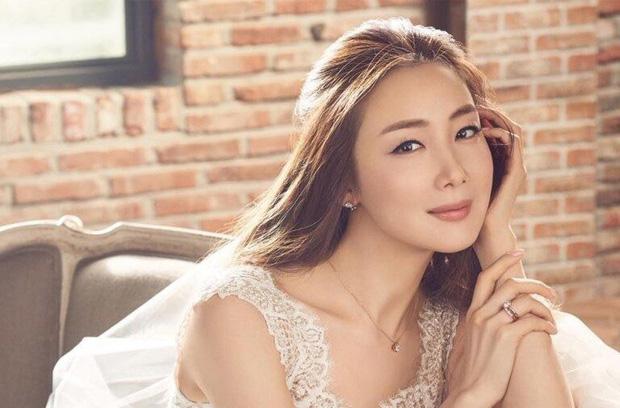 Dàn mỹ nhân phim 4 Mùa sau 2 thập kỷ: Song Hye Kyo - Han Hyo Joo ngập bê bối, Son Ye Jin - Choi Ji Woo lại nở rộ bất ngờ - Ảnh 18.