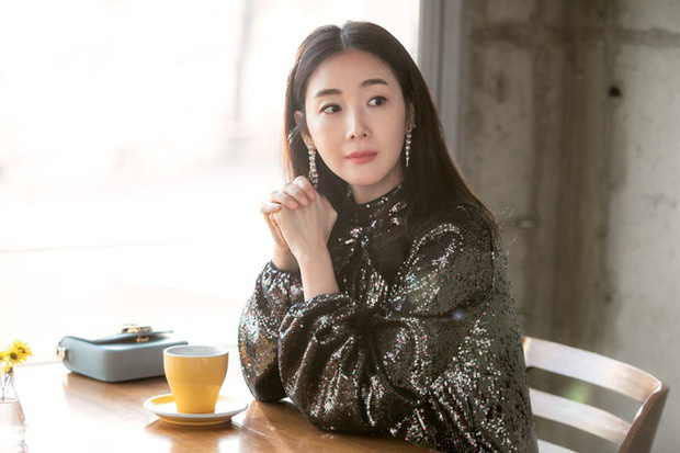 Dàn mỹ nhân phim 4 Mùa sau 2 thập kỷ: Song Hye Kyo - Han Hyo Joo ngập bê bối, Son Ye Jin - Choi Ji Woo lại nở rộ bất ngờ - Ảnh 20.