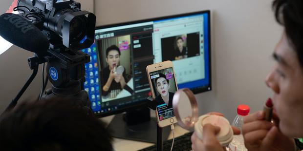 Góc khuất nghề nghiệp: 10 sự thật bất ngờ về streamer - công việc hái ra tiền bao người mơ ước ở Trung Quốc - Ảnh 4.