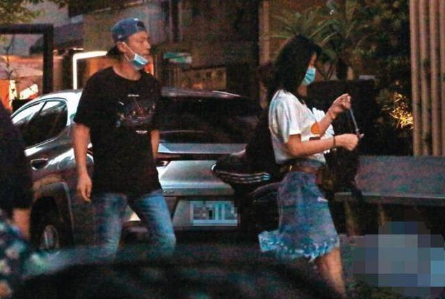 Xưa hẹn hò giản dị, nay vợ chồng Lâm Tâm Như gây choáng khi đổi gió đi siêu xe 35 tỷ tới nhà hàng đắt đỏ dùng bữa - Ảnh 4.