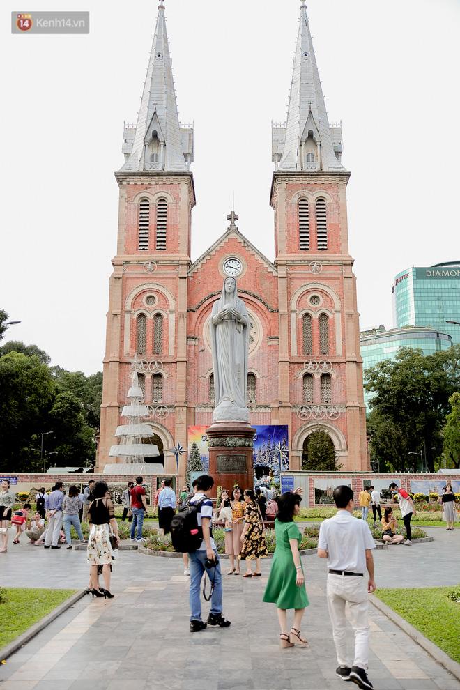 Không còn nhận ra đây là Sài Gòn trong ngày đầu tiên của năm mới, từng ngóc ngách đều hiện lên đẹp thổn thức con tim! - Ảnh 8.