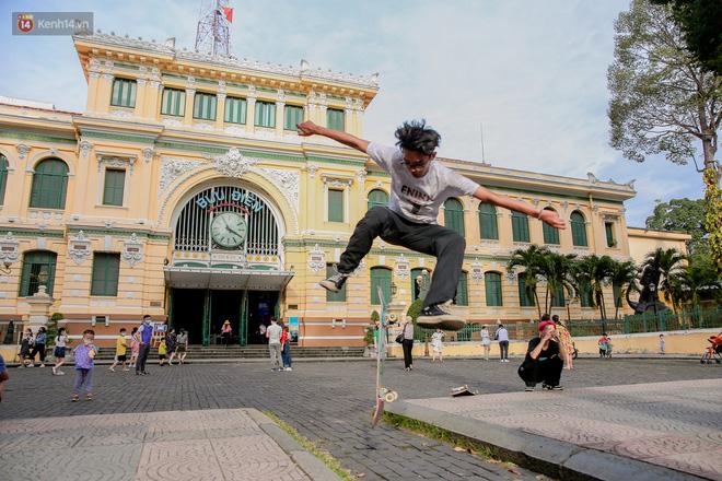Không còn nhận ra đây là Sài Gòn trong ngày đầu tiên của năm mới, từng ngóc ngách đều hiện lên đẹp thổn thức con tim! - Ảnh 9.