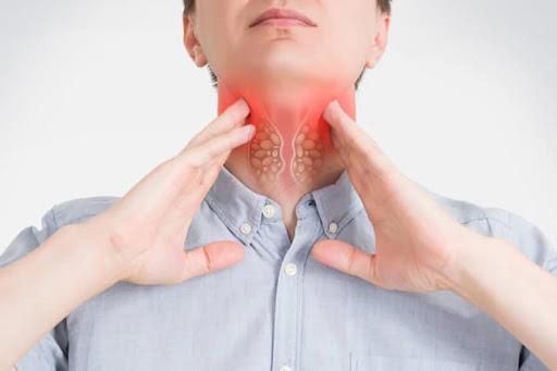 Thói quen khi ăn, uống làm tăng nguy cơ ung thư: Rất nhiều người mắc, khi có bệnh mới ngỡ ngàng - Ảnh 2.