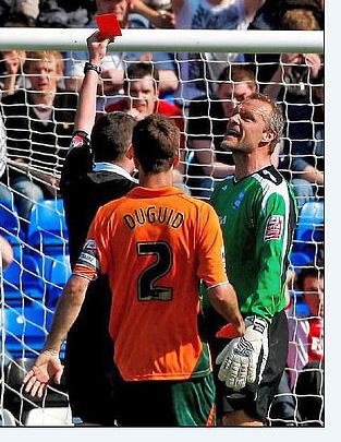 Trọng tài số 1 nước Anh, Michael Oliver lý giải việc không bao giờ bắt chính trận đấu của Newcastle - Ảnh 1.