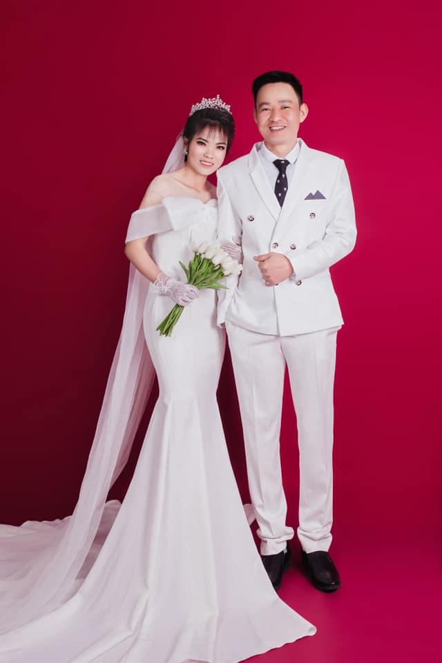 Nữ chiến binh lớn tuổi nhất của ĐT Việt Nam từng vô địch SEA Games 2019 gây bất ngờ với bộ ảnh cưới lung linh - Ảnh 4.