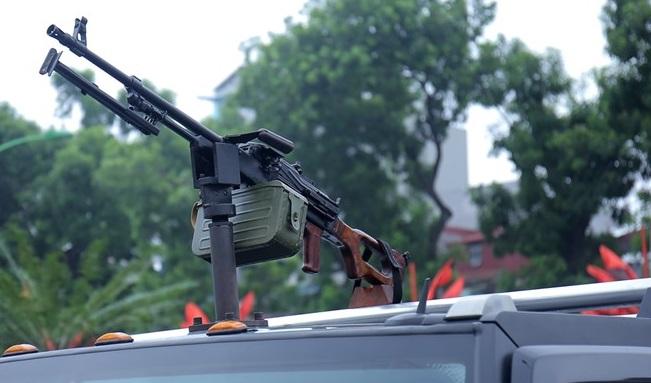 Siêu xe bọc thép đặc chủng hỏa lực cực mạnh của Công an Việt Nam: Khủng bố khiếp sợ - Ảnh 5.