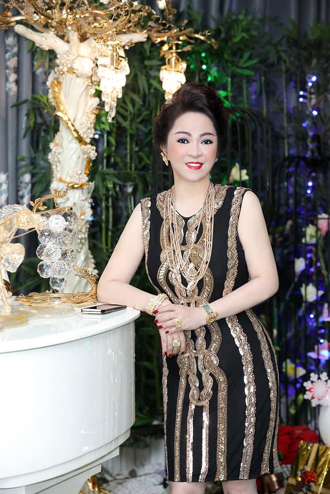 Bà Phương Hằng - vợ ông Dũng Lò Vôi: Tài năng kiếm tiền vượt qua những đau khổ không tưởng tượng nổi  - Ảnh 4.