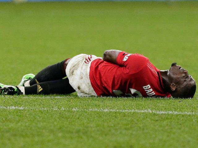 Manchester United mất 3 trụ cột trước trận đấu với Liverpool - Ảnh 2.
