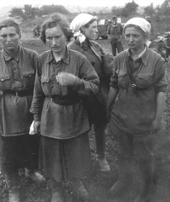 Bất khuất nữ chiến binh Xô Viết trong chiến tranh vệ quốc - Ảnh 1.