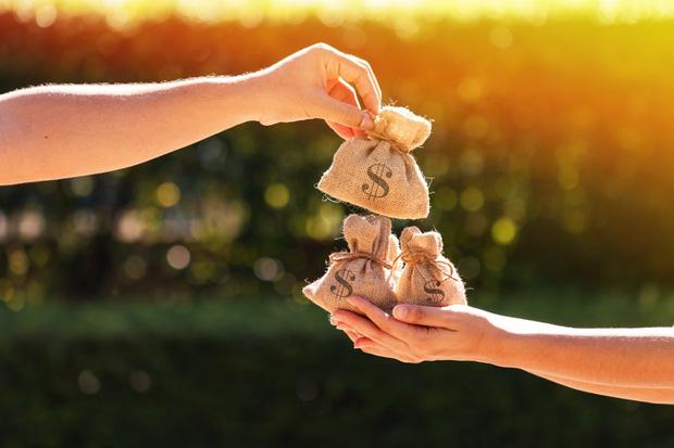 Hôn nhân cưa đôi: Sòng phẳng làm đường lui cho phụ nữ trong tương lai hay trào lưu kết hôn hời hợt của giới trẻ Trung Quốc? - Ảnh 2.