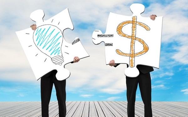 Bancassurance khiến các ngân hàng giàu sụ - Ảnh 2.