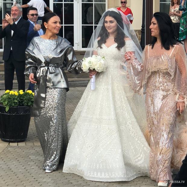 Sau đám cưới xa hoa với con trai của cựu quan chức, tiểu thư nhà tỷ phú Nga bị phanh phui vụ ngoại tình, kẻ thứ 3 có danh tính khủng không kém - Ảnh 3.