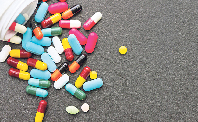 BS khuyên: Dùng thuốc hợp lý là một kiểu khôn ngoan, đừng để cơ thể trở thành hũ thuốc - Ảnh 2.