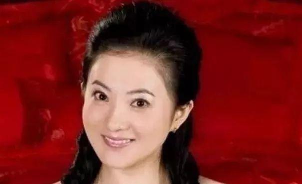 Mỹ nhân phim Quỳnh Dao: Sinh 5 con chồng vẫn ngoại tình, được đền bù nghìn tỷ, cuộc sống giờ ra sao? - Ảnh 4.
