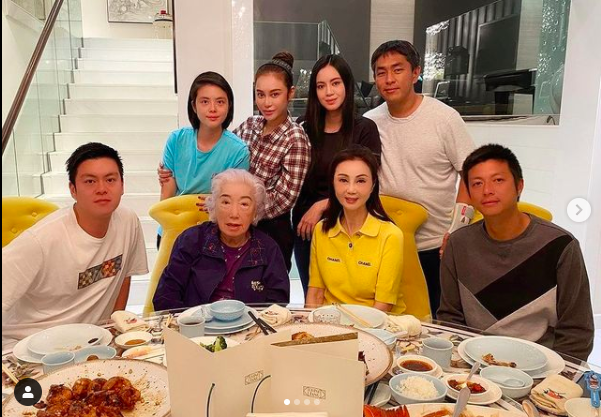 Mỹ nhân phim Quỳnh Dao: Sinh 5 con chồng vẫn ngoại tình, được đền bù nghìn tỷ, cuộc sống giờ ra sao? - Ảnh 7.